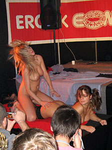 Lesbian girls on the Extasia in Zurich