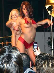Live lesbian show at the Extasia in Zurich