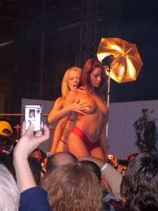 Live lesbian show on the Extasia in Zurich